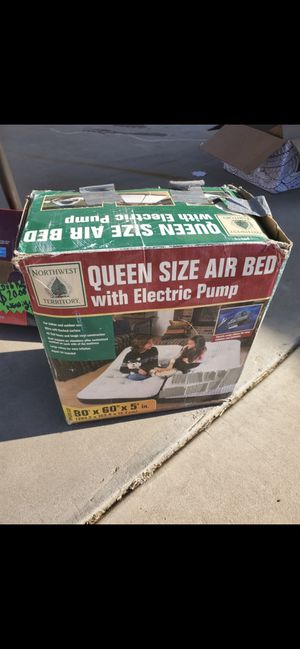 Queen size air mattress with electric pump for Sale in Chino, CA