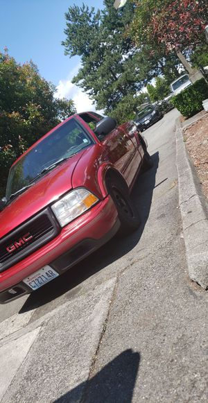 98 gmc sonoma/chevy s10 2.2 5speed for Sale in Mill Creek, WA