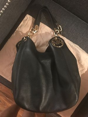 MK leather handbag. Hobo style. Gold hardware for Sale in St. Petersburg, FL