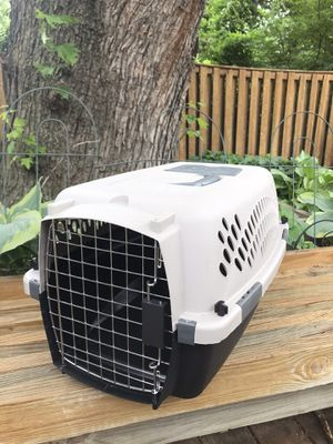 Petmate x-small pet kennel dog crate for Sale in Herndon, VA