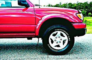 ֆ14OO 4WD Toyota Tacoma 4WD for Sale in Longview, TX