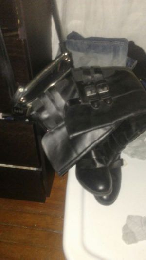 Boot hot and warm real leather for Sale in Philadelphia, PA