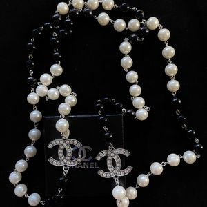 Black And White Pearls Silver Long Necklace for Sale in Fremont, CA