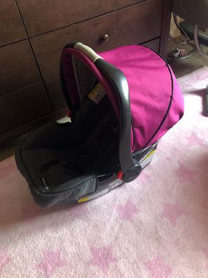 Craco car seat with stroller combo for Sale in San Francisco, CA