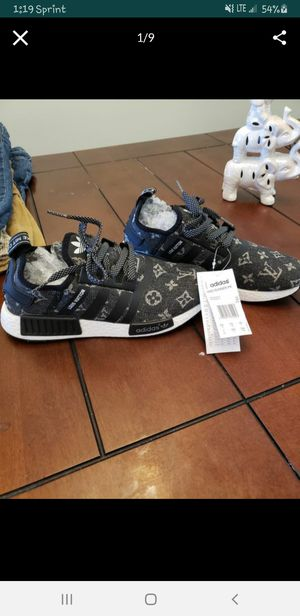 New with tags adidas shoes womens sz 7 for Sale in Kernersville, NC