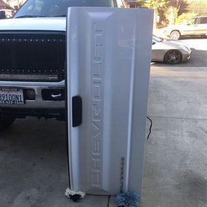 2020 Chevy Silverado Door for Sale in Moreno Valley, CA