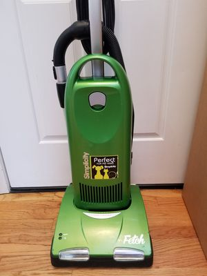 NEW cond SIMPLICITY VACUUM WITH COMPLETE ATTACHMENTS, SPECIAL VACUUM FOR PETS AND DOGS , IN THE BOX, WORKS EXCELLENT, BEST OFFER ACCEPTED for Sale in Federal Way, WA