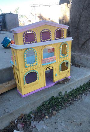 Girls little doll house for Sale in Hemet, CA