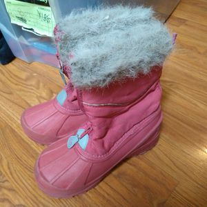 SIZE 2 PINK SNOW BOOTS for Sale in North Tustin, CA