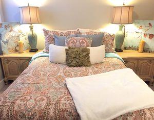 Bedroom Set includes mattress, box spring + 2 side tables! for Sale in Nashville, TN