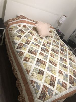 WHITE QUEEN BED FRAME + MATTRESS $100 for Sale in San Diego, CA