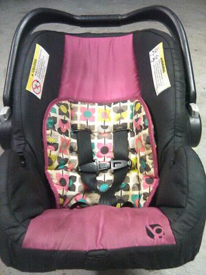 Baby Trend Car Seat for Sale in West Palm Beach, FL