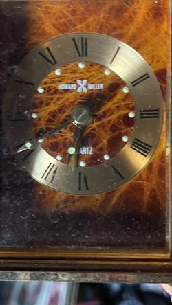 Howard Miller Quartz Desk Clock for Sale in St. Louis,  MO