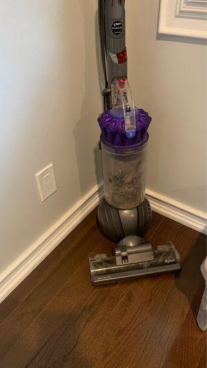Dyson vacuum for Sale in Woodbridge Township, NJ