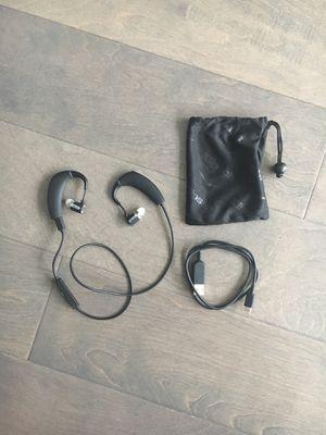 Klipsch R6 Bluetooth Earphones KLR6BTH111 for Sale in Seattle, WA