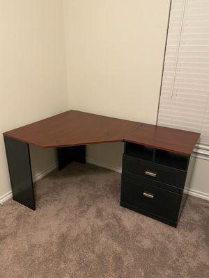 Corner desk for Sale in League City, TX