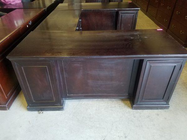 Executive L-shape office desk $250 (good condition)