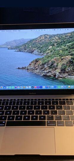 MacBook 2017 Retina Display for Sale in Gresham,  OR