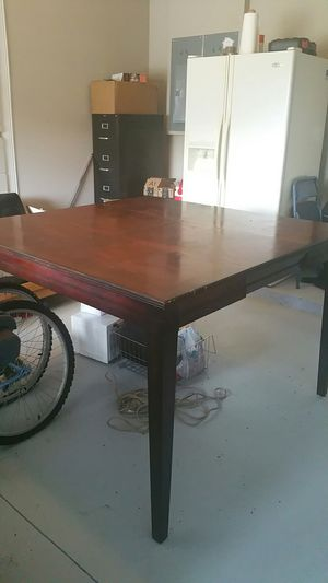 Wood kitchen table. for Sale in Kissimmee, FL