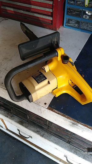 """McCulloch Electramac. 14"""" electric chainsaw for Sale in Mission Viejo, CA"""