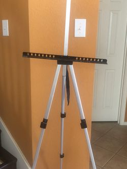 Aluminum Tripod Easel for Sale in Frisco,  TX