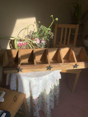 Rustic solid shelf (Americana) for Sale in Perryopolis, PA