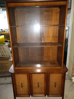 Antique China cabinet for Sale in Tampa, FL