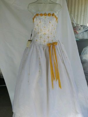 Beautiful Quincereara special occasion dress for Sale in Perris, CA