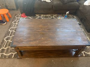 Wooden Coffee table for Sale in North Las Vegas, NV