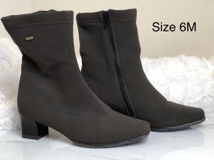 Brown Womens Boots for Sale in Austin, TX