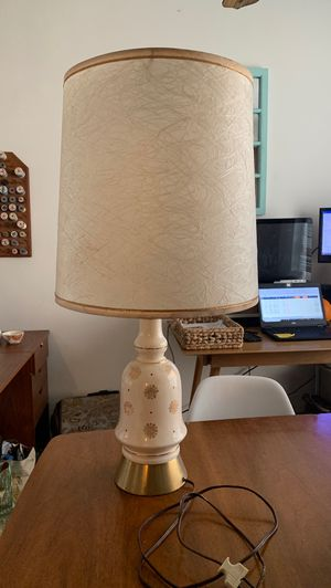 Vintage lamp for Sale in Long Beach, CA