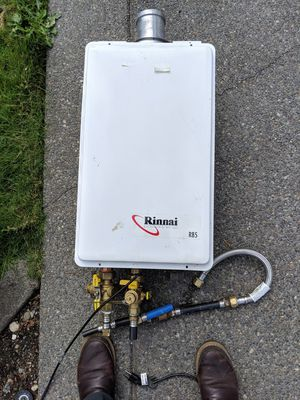Rinnai Tankless water heater for Sale in Puyallup, WA