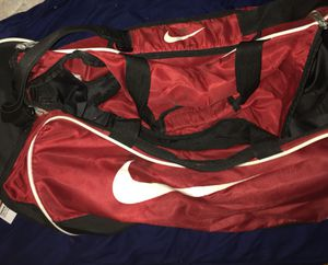 Nike duffle bag for Sale in Maple Heights, OH
