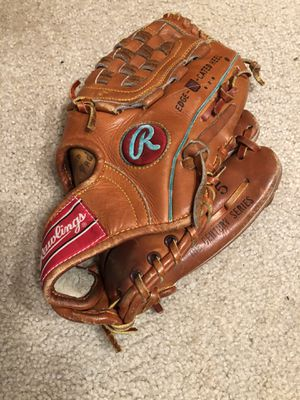 Vintage Rawlings Century Series Baseball Glove/ Mitt C100-5 Pre-Owned for Sale in Gurnee, IL