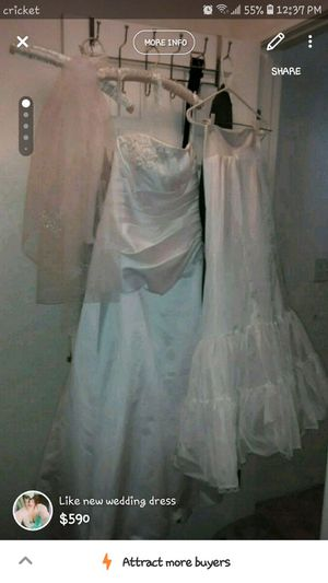 2 year old wedding dress like new for Sale in Las Vegas, NV