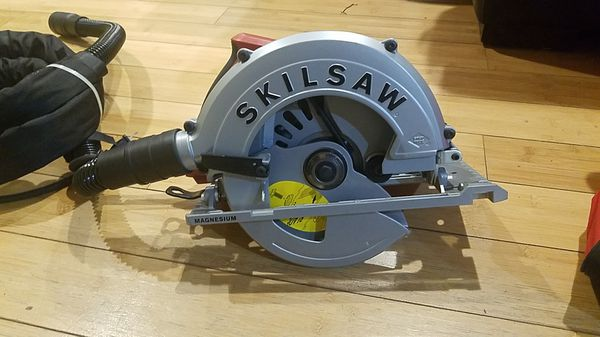 SKILSAW 7-1/4-in Worm Drive Corded Circular Saw with Magnesium Shoe (No Case)