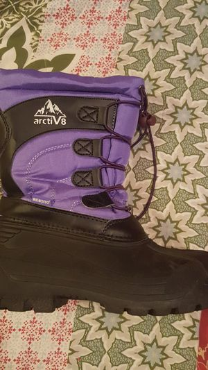 Kids snow boots size 6 for Sale in Hayward, CA