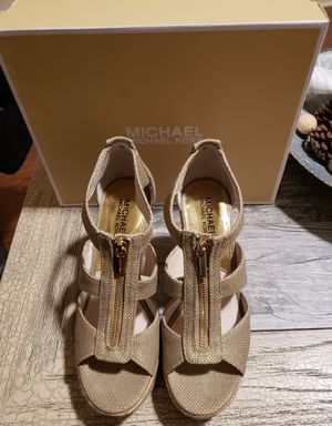 Michael Kors wedges size 7 1/2 for Sale in Pulaski, TN