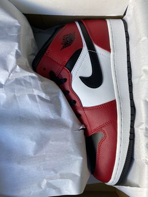 Jordan 1 Mid Chicago toe size 7 for Sale in Allentown, PA