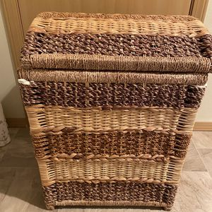 Laundry Basket for Sale in Tacoma, WA