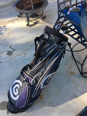 Golf clubs irons 7-p with taylormade 5 wood Cleveland carry bag for Sale in Wildomar, CA