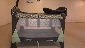 Graco pack and play with changing table for Sale in Darien, IL