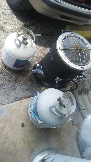 Fryer and heater for Sale in San Antonio, TX