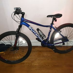 Mountain Bike Excellent Condition for Sale in Brooklyn, NY