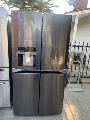 Lg refrigerator for Sale in Fontana, CA