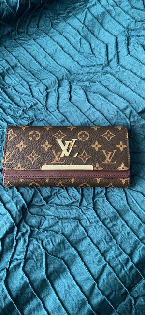 Louis Vuitton Malletiera Paris Hand Bag for Sale in Richmond, VA