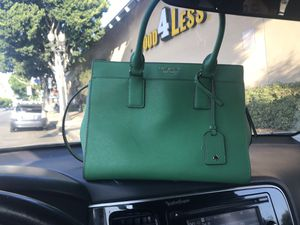 Kate spade bag medium size for Sale in Los Angeles, CA