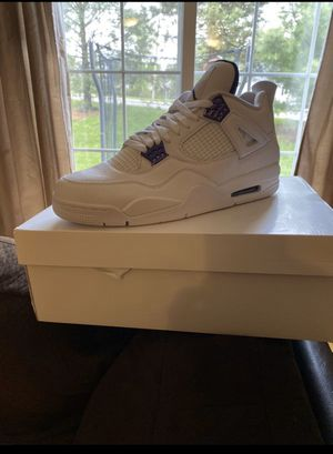 Jordan Retro 4 for Sale in Streetsboro, OH