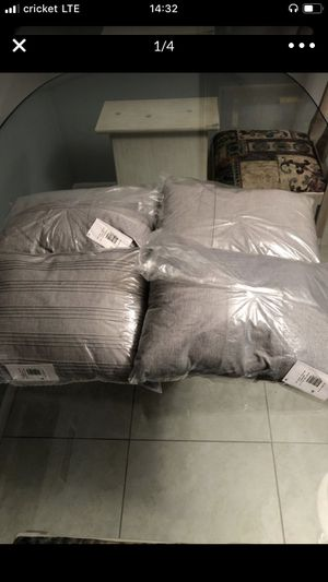 Calvin Klein pillow New Size 12x16 stock 4pcs originally price $85 for Sale in Fort Lauderdale, FL