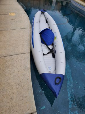 INFLATABLE PATHFINDER 2 CAYAK for Sale in Clovis, CA